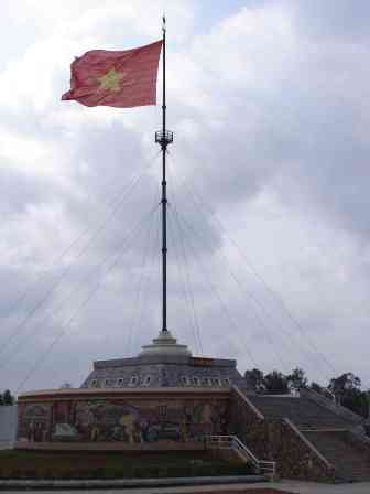The flag of which the Vietnamese are so proud