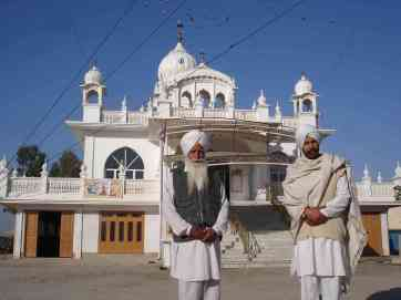 Two members of a stunning gurdwara that took me in