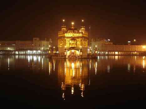 Is a caption really needed?............The Golden Temple in Amritsar